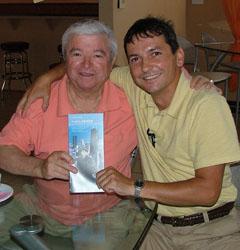 """Ш. Чападжиев и Р. Русев в Чикаго – имат много теми за разговор очакващият своя полет пръв български космически пътешественик и """" Военен пилот № 1 на България"""" през 1997 година"""