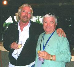 Чападжиев и Бронсън по време на срещите си при представянето на готовия за космическия си полет самолет.