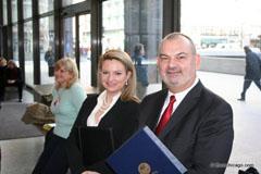 Генаралният консул на България в Чикаго Валентин Дончев и Консул Лила Георгиева