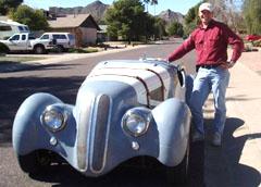 Нашият сънародник Даниел Георгиев прави фурор по огледалните пътища на Аризона със собственоръчно направената от него кола.