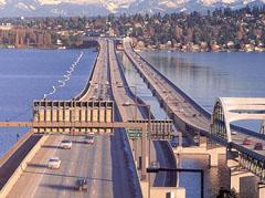 Понтонният мост над езерото Вашингтон