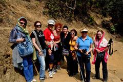 Групата от Аризона сред планините на Бутан