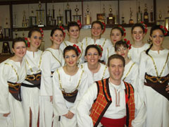 """2007 г. С девойките от """"Митрония"""" след концерт."""