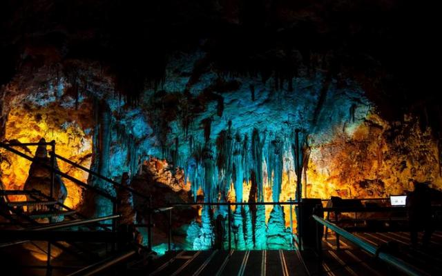 Новооткритата пещера Венеца край село Орешец