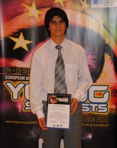 Радко Котев – на 19 години, учи в Националната природо-математическа гимназия